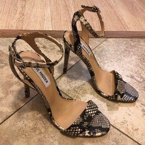 Steve Madden snake print sandal heel size 7.5